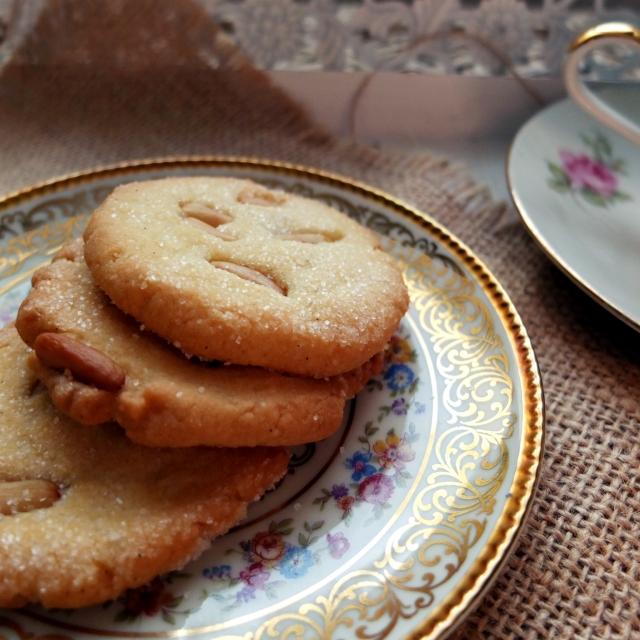 pinienkern biscotti